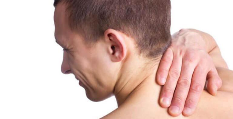 ماساژ گردن: چگونه کتف و گردن خود را ماساژ دهید؟